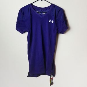 Under armour football shirt size Youth MD. NWT